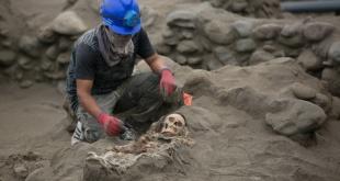 El arqueólogo Gabriel Prieto confirmó el hallazgo de los restos de 132 niños sacrificados.