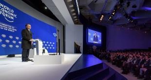 El presidente brasileño Jair Bolsonaro, da su discurso ante la élite política y económica mundial.