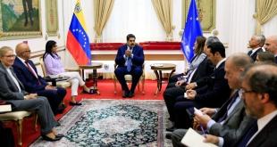 Nicolás Maduro durante la reunión con los representantes de la Unión Europea.