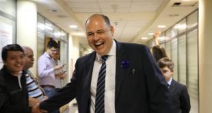 Abel González, senador del PLRA, quien juró en reemplazo de Jorge Oviedo Matto.