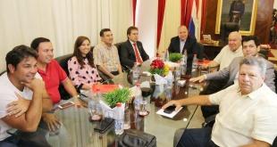 Reunión mantenida entre autoridades de la ANR.