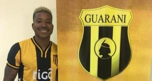 Guaraní sigue incorporando futbolistas a su plantel. Ahora, oficializó la llegada del panameño Ricardo Clarke, ex Nacional. (Foto Prensa Guaraní)