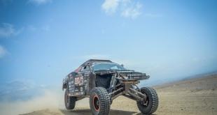 Durante horas, los gemelos del equipo Maxxis Dakar Team transitaron bien por las vastas extensiones de arena.