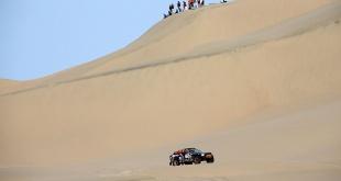 Tim y Tom Coronel llegaron al día de descanso que el Rally Dakar contempla en su esquema 2019. Foto: Prensa Dakar.