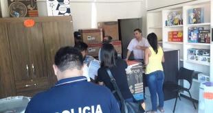 Se encuentran allanando el local comercial del exjefe de prensa de la Municipalidad de Ciudad del Este, Juan Sanabria. Foto: Gentileza.