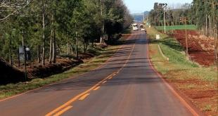 Alto Verá está ubicada en el centro-norte de Itapúa, a aproximadamente a 95 km de Encarnación.