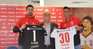 Anthony Silva y Lucas Barrios fueron presentados en Huracán. (Foto Prensa Huracán)