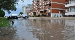 El temporal en la Argentina ya causó varios destrozos.