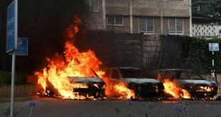 Las fuerzas de seguridad kenianas evacuaron a numerosas personas que se escondieron durante horas en las oficinas del hotel. Foto: RTVE.es.