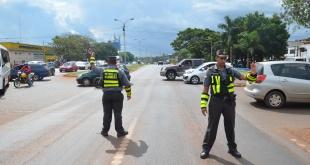 Los agentes de la Patrulla Caminera realizan controles en varios puntos de la ruta VII, en Ciudad del Este.
