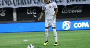 El defensor del Olimpia, Carlos Rolón, volvió a jugar en el equipo titular luego de un año. (Foto Prensa Olimpia).
