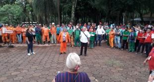 Funcionarios despedidos de la Municipalidad de Ciudad del Este.