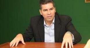 César Paredes, analista financiero.