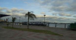 Para Asunción, se prevé extremadamente caluroso, cielo parcialmente nublado a nublado, vientos del norte, chaparrones con ocasionales tormentas eléctricas.
