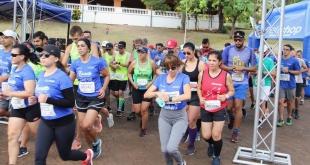 .- Gustavo Fleitas y Elisa Villasanti obtuvieron el primer puesto en masculino y femenino, respectivamente, en la categoría 8 Km de la Corrida Familiar de Reyes.