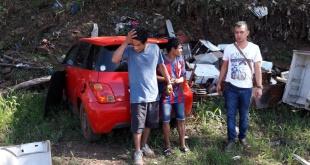 Los dos sujetos quedaron detenidos tras ser identificados por los agentes.