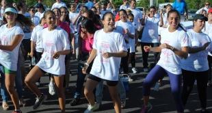 La práctica regular de ejercicios o deportes ayuda a reducir la aparición de factores de riesgo para el desarrollo de enfermedades crónicas.