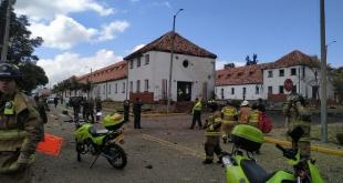 Un vehículo cargado con explosivos estalló el jueves en el interior de la Escuela de Oficiales de la Policía Nacional.