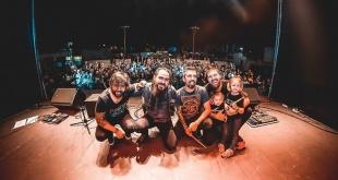 La renombrada banda paraguaya Flou.