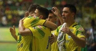 El equipo de Presidente Franco, actual campeón nacional de fútbol de salón, debutó con una gran victoria de 7-0 ante Hernandariense. Foto: Fútbol de Salón de Pte. Franco.