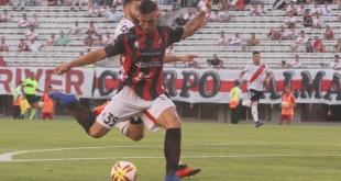 El paraguayo Gabriel Ávalos rompió  una racha de 31 años al marcar 3 goles para su equipo, el Patronato. Foto: @ClubPatronatoOf.