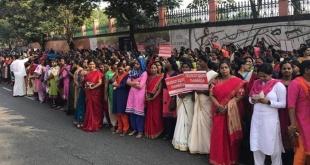 Mujeres de la India decidieron formar un muro humano de 620 kilómetros de largo en el estado indio de Cochín. Foto: @JohnMedamana.