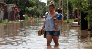 Las inundaciones afectan a más de 2.000 personas que ya fueron desplazadas por las aguas.