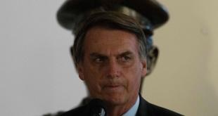 El mandatario brasileño Jair Bolsonaro, en la asunción del comandante del Ejército, general Edson Leal Pujol.