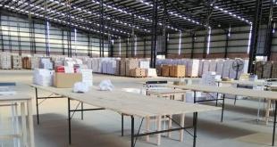 Los kits totalmente preparados para la distribución, en el depósito Dinacopa, pero la incapacidad del Ministerio retrasa los trabajos.