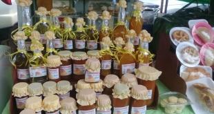Riquísimos productos elaborados en base al mango que fueron exhibidos y vendidos en la edición del festival del año pasado.