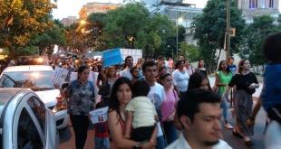 Los manifestantes exigen a las autoridades que pare la deforestación en la Región Chaqueña. Foto: 970 AM.