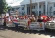 Se manifiestan en frente del Tribunal Civil de Ciudad del Este. Foto: Carlos Paredez.