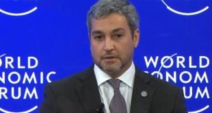 Mario Abdo Benítez dijo en Davos que Paraguay tiene baja presión tributaria, pero se niega a cargar a los sectores que más ganan.
