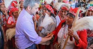 El documento garantiza la participación de los indígenas en la elaboración de ley o proyectos que afecten a su cultura, sus tierras o territorios y otros recursos. Foto: Presidencia.