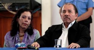 El presidente de Nicaragua Daniel Ortega y su esposa Rosario Murillo.