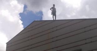 Un paciente psiquiátrico que llegó al Hospital de Clínicas, escapó de sus familiares, fue a la parte posterior donde se encuentra el área oftalmológica y se lanzó del techo. Foto: @wilianDominguez.