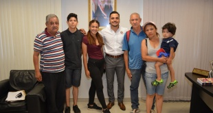 La SEDERREC ha expedido un Certificado de Repatriación a esta familia.