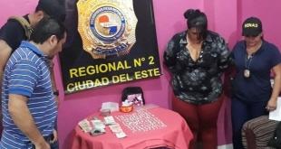 Los antidrogas detuvieron a una mujer sindicada como responsable principal de la venta de drogas en dicho lugar. Foto: Senad.