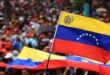 """La crisis política en Venezuela se intensificó cuando el líder opositor Juan Guaidó se autoproclamó presidente """"encargado"""" del país."""