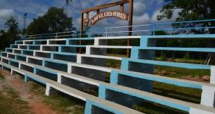 Dos nuevas graderías construidas en las instalaciones deportivas del Club 13 de Junio, de San José de los Arroyos.