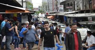 Muchos brasileños realizaron compras en Ciudad del Este, en la víspera.