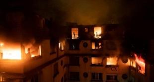 El fuego causó además que alrededor de 30 vecinos resultaran heridos.