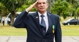 Joaquim Silva y Luna, director de Itaipú, margen brasileña; es militar.