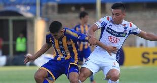 Nacional y Sportivo Luqueño se enfrentan hoy, desde las 19:00, en el estadio Arsenio Erico.