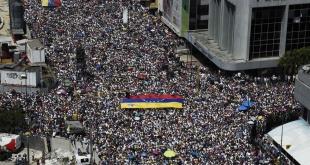 Miles de venezolanos coparon ayer las calles de Caracas para exigir la renuncia de Nicolás Maduro.