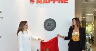 La compañía de seguros MAPFRE Paraguay develó su placa de certificación internacional LEED.
