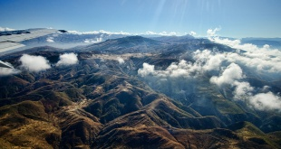 Científicos hallaron cadenas montañosas a más de 600 metros de profundidad. Foto: ilustración.