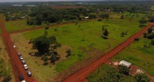 El Ministro visitó el lugar, inspeccionó el terreno y conversó con los pobladores.