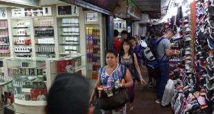 Algunos salones comerciales de Jebai Center igual abrieron sus puertas.
