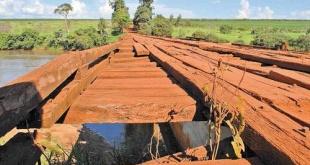 La estructura del puente actual se encuentra en deplorable estado.